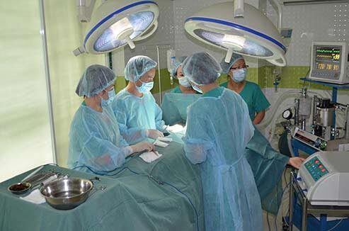 Quy trình phẫu thuật khép kín với trang thiết bị hiện đại tại Bệnh Viện Thẩm Mỹ Á Âu