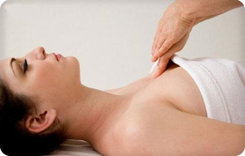 cach-massage-nang-nguc-tai-nha-giup-nguc-cang-day-tu-nhien2