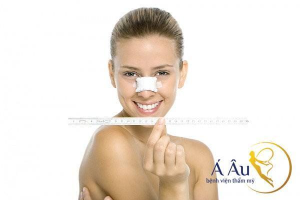Cách chăm sóc tốt sau nâng mũi nhanh chóng cho kết quả thẩm mỹ. Cách chăm sóc tốt sau nâng mũi nhanh chóng cho kết quả thẩm mỹ.