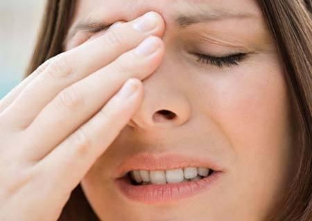 Sống mũi trông thấp và gẫy, luôn khiến bạn mất tự tin khi giao tiếp