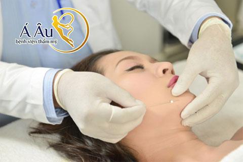 Dịch vụ căng da mặt bằng chỉ vàngtạiBệnh viện thẩm mỹ Á Âu
