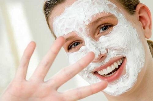 Sử dụng nước vo gạo là cách làm da mặt trắng mịn rất hiệu quả