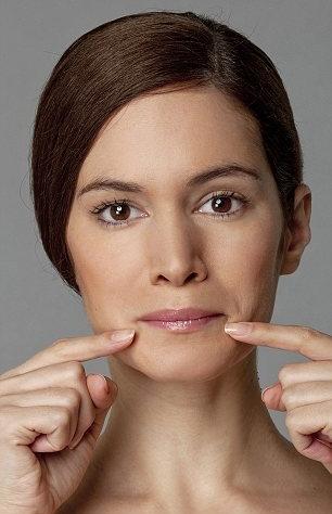 Bài tập nâng khóe môi