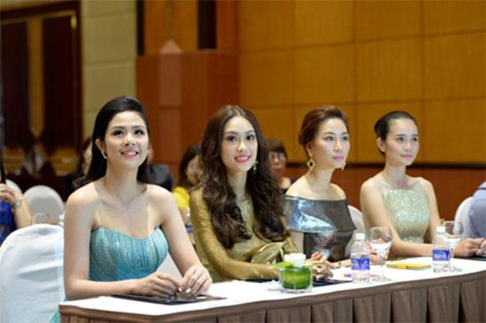 a-khoi-ao-dai-phuong-linh-4