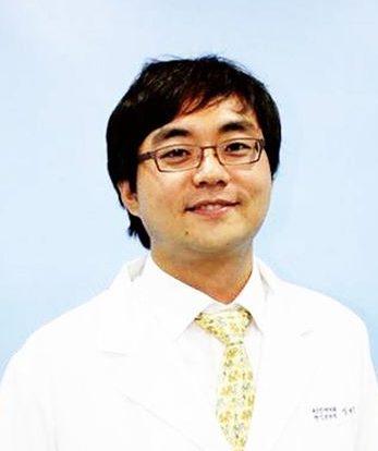 Bác sĩ Dr Kang Myoung Geun
