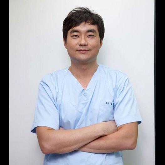 Bác sĩ Dr Kang Myun Geun