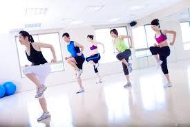 nhảy aerobic giảm mỡ bụng