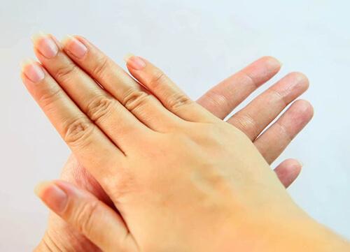 Cách massage ngực chảy xệ