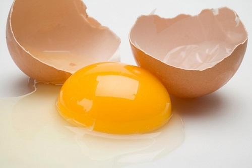 tắm trắng toàn thân bằng trứng gà