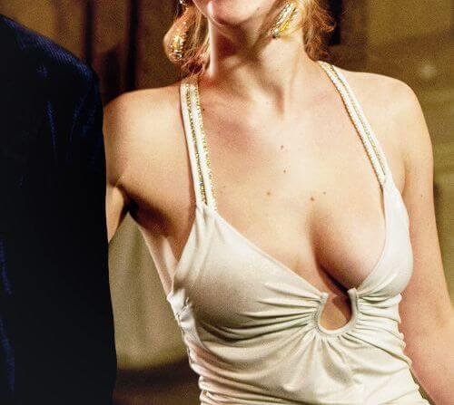 cách làm ngực không bị chảy xệ