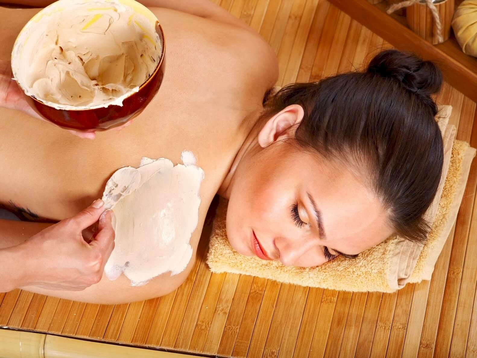 tắm trắng toàn thân bằng bột gạo