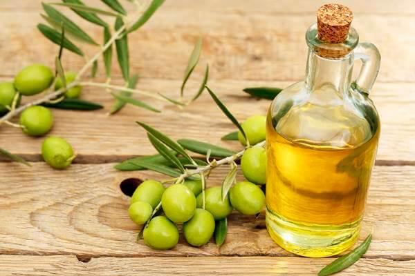 trị nám bằng dầu oliu 2