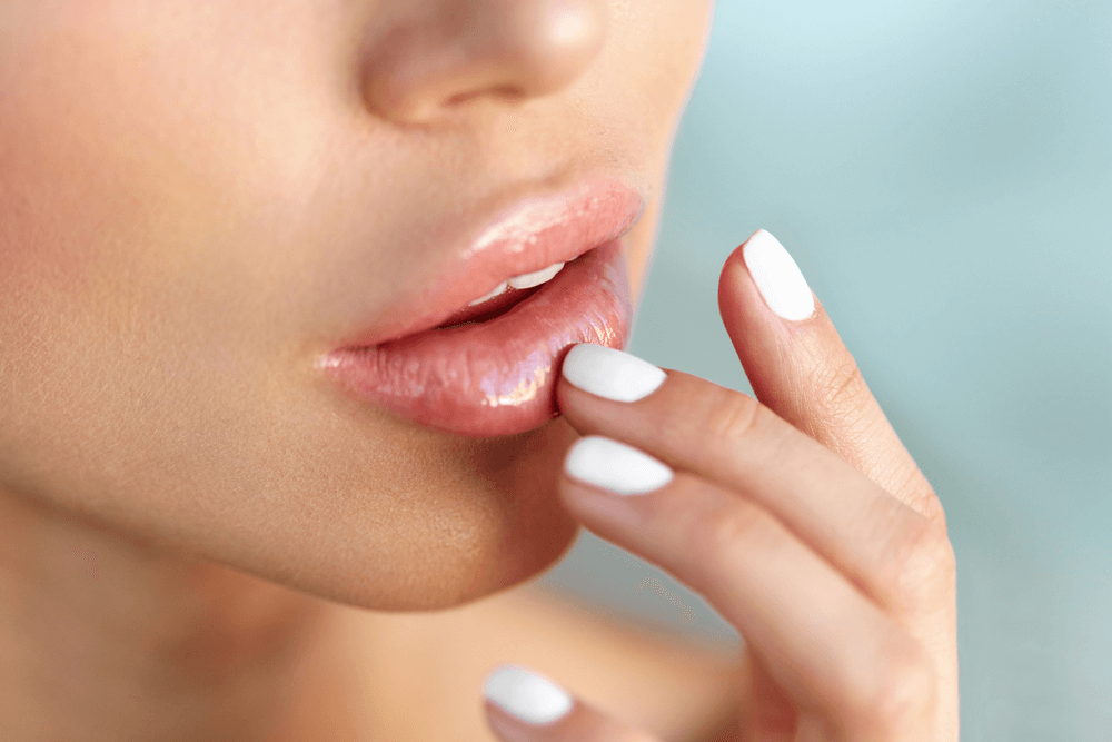 Tiêm filler môi