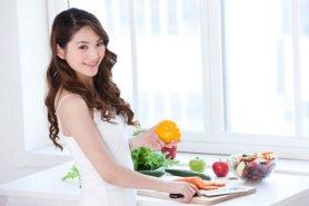 Chế độ ăn uống quyết định rất lớn đến lượng mỡ tích tụ dưới cánh tay