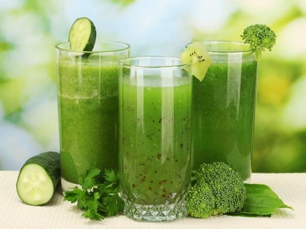 Uống sinh tố rau xanh mỗi ngày giúp đẹp dáng, đẹp da
