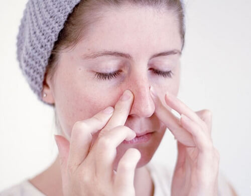 Nâng mũi bằng sụn tự thân hoàn toàn có nguy hiểm không?